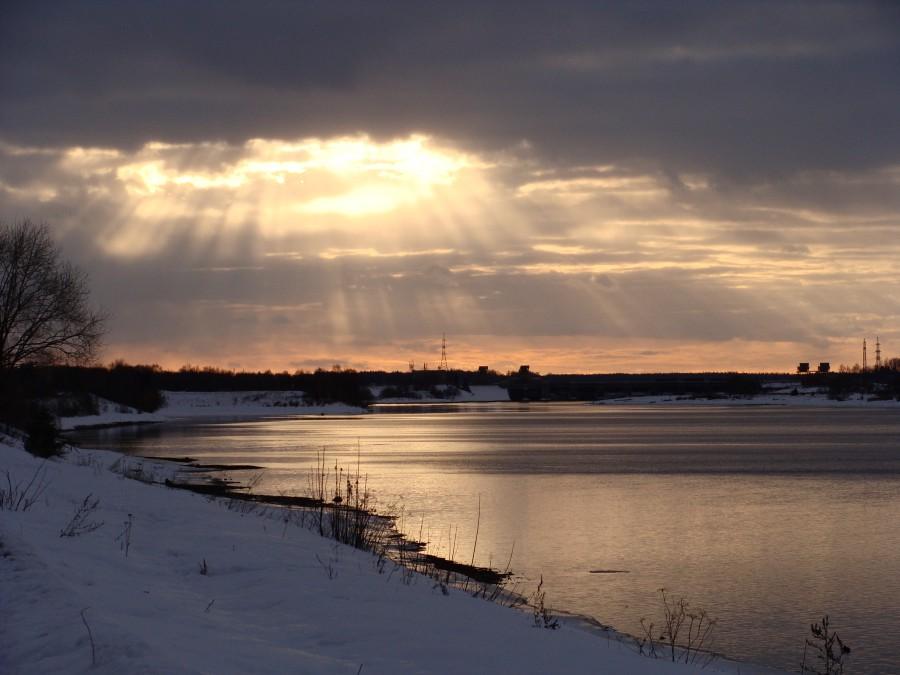 Набережная реки волга зимой 2010