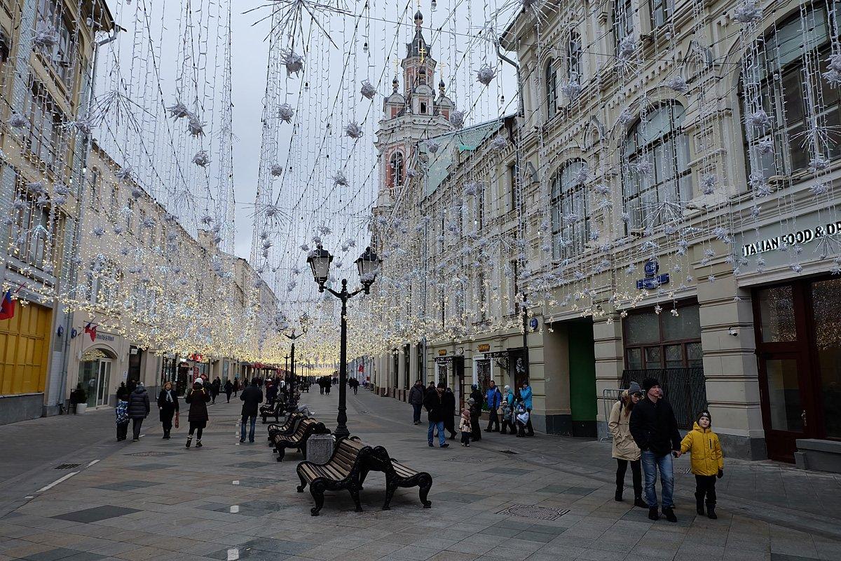 известно, фото с улиц москвы сегодня втором этаже