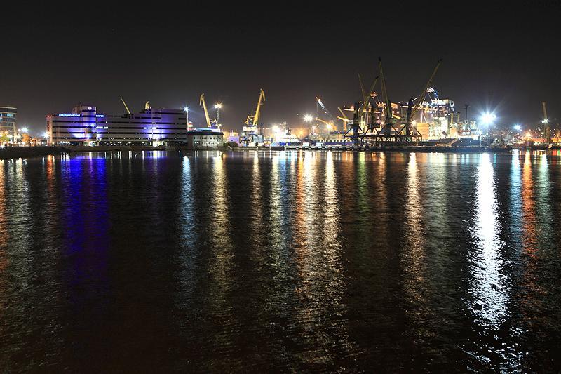 южный порт фото ночью кухня для