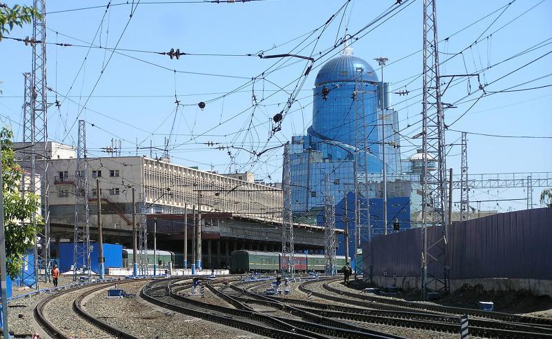 Пригородный павильон был построен к югу от главного здания вокзала в 2005 году