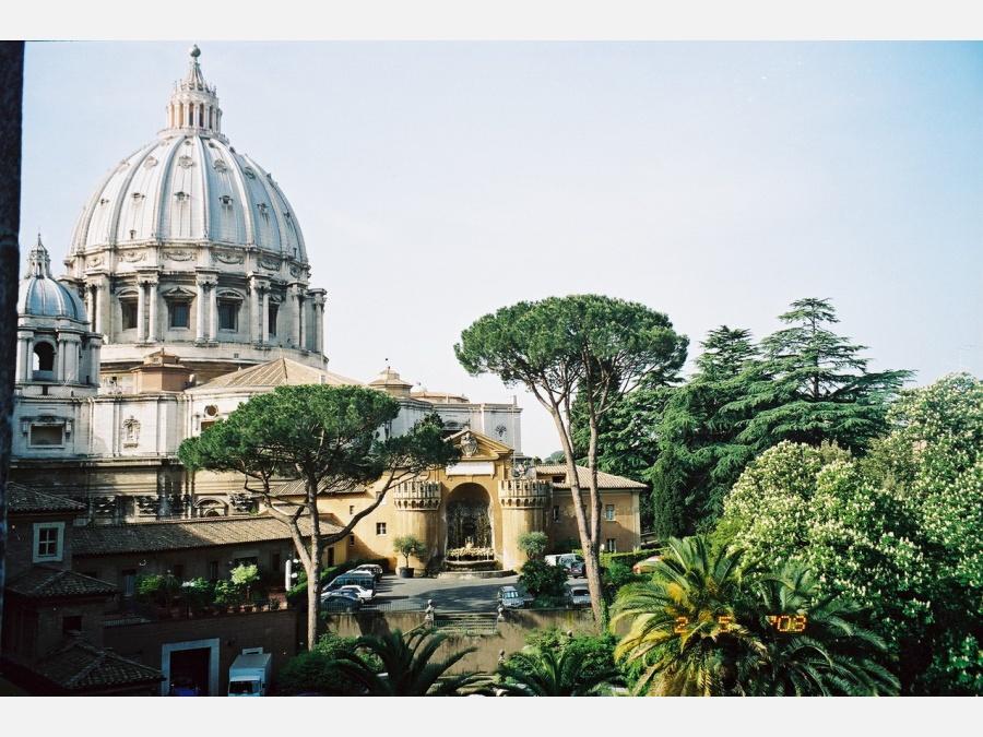 в Ватиканских садах