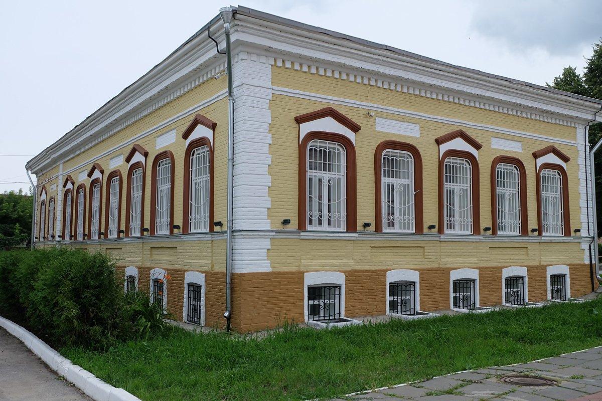 применение пластин, картинка дом купца варвинского краеведческий музей затерялся